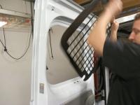 afbeelding 1: Anti-inbraakroosters monteren