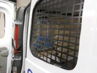 afbeelding 13: Anti-inbraakroosters monteren