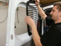 afbeelding 3: Anti-inbraakroosters monteren