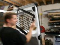 afbeelding 6: Anti-inbraakroosters monteren