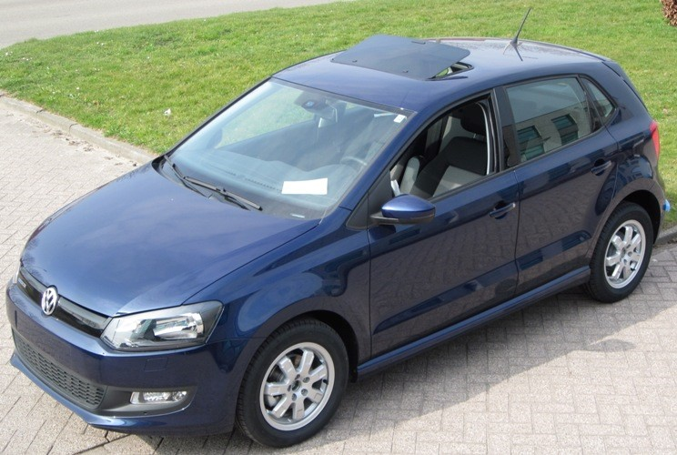 een klapdak in een volkswagen polo. Black Bedroom Furniture Sets. Home Design Ideas